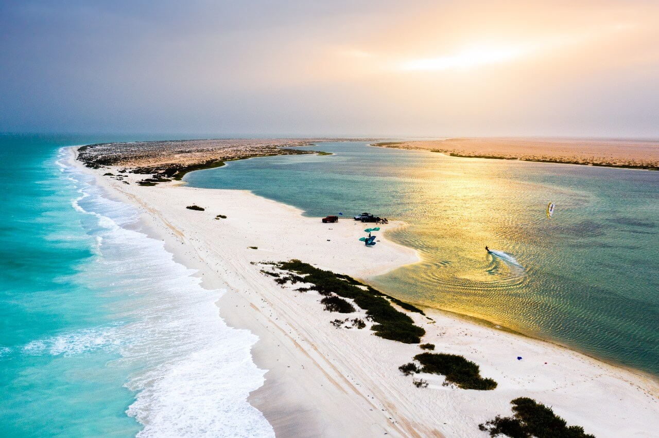 Barr Al Hikman contains the longest natural sand bar in the Middle East © Tariq Barwani