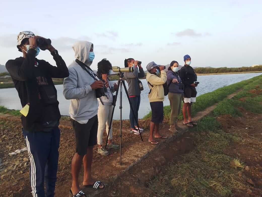 The observation team monitoring birds at the waste water plant © Biosfera
