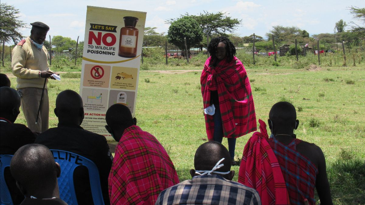 Discussion on reducing human-wildlife conflict in Kenya © Vincent Otieno/Nature Kenya