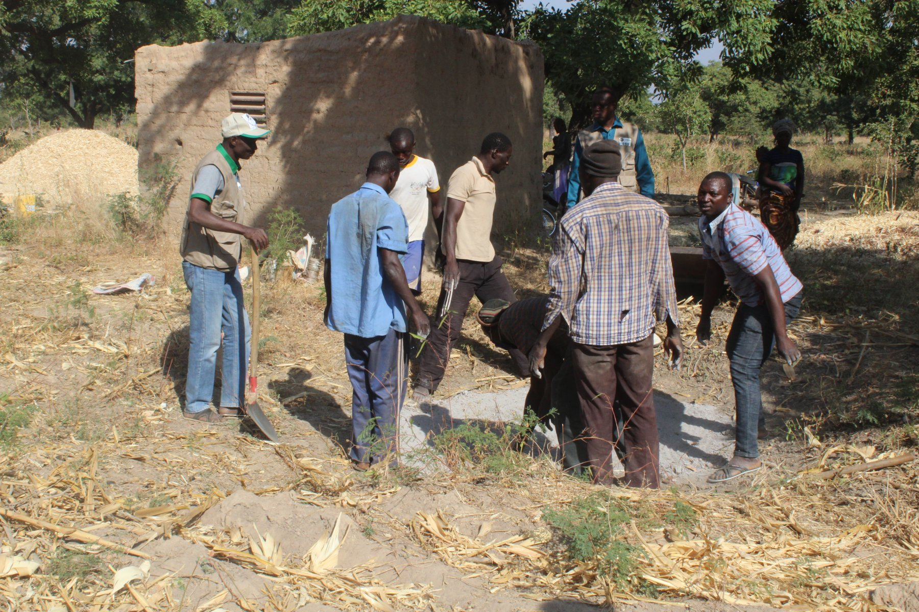 A farmer training session in natural compost production technique © Seydou Nacro